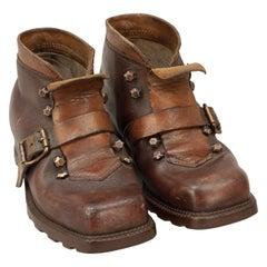 Pair of Vintage Children's Ski Boots in Leather, Wasserdicht