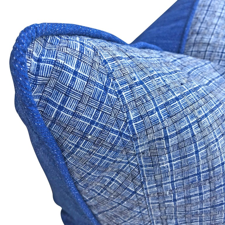 Pair of Vintage Chinese Plaid Cotton Pillows In Good Condition For Sale In Chicago, IL
