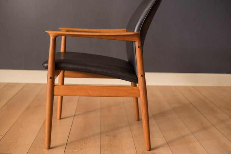 Pair of Vintage Danish Teak and Leather Armchairs by Grete Jalk for Glostrup For Sale 5