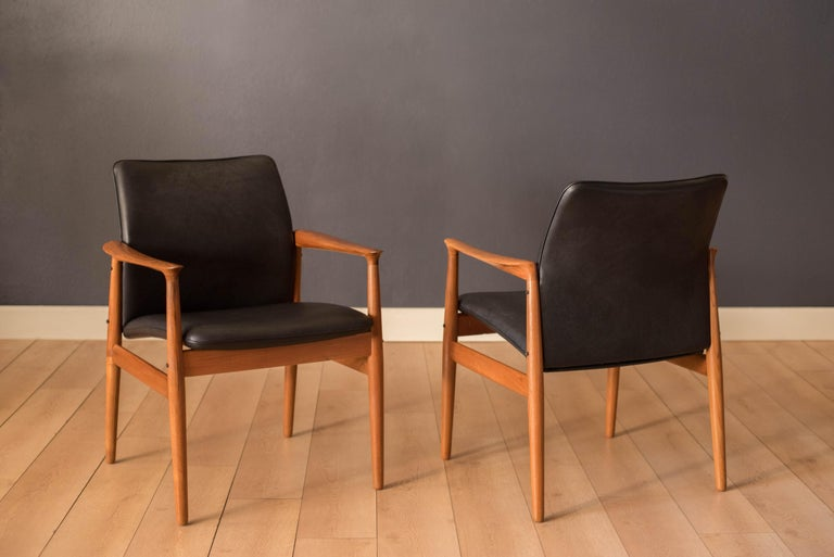 Pair of Vintage Danish Teak and Leather Armchairs by Grete Jalk for Glostrup For Sale 6