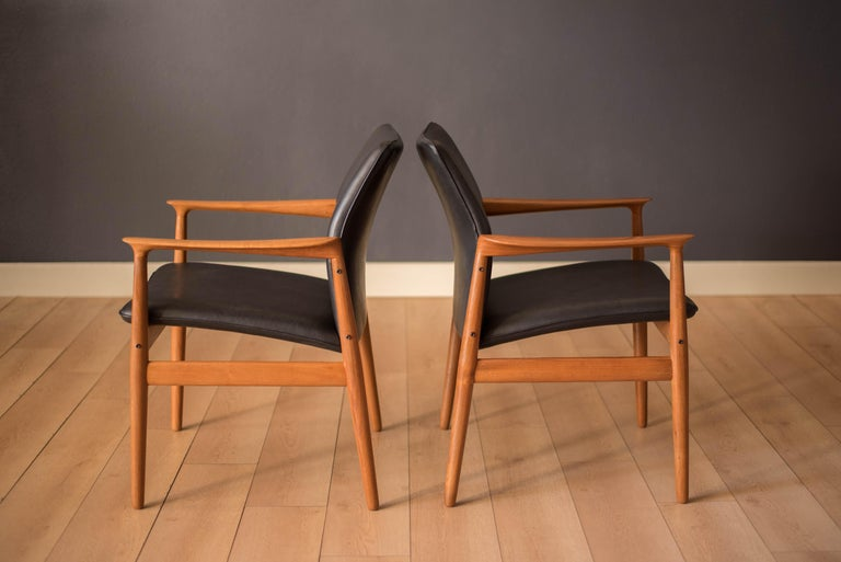 Pair of Vintage Danish Teak and Leather Armchairs by Grete Jalk for Glostrup In Good Condition For Sale In San Jose, CA