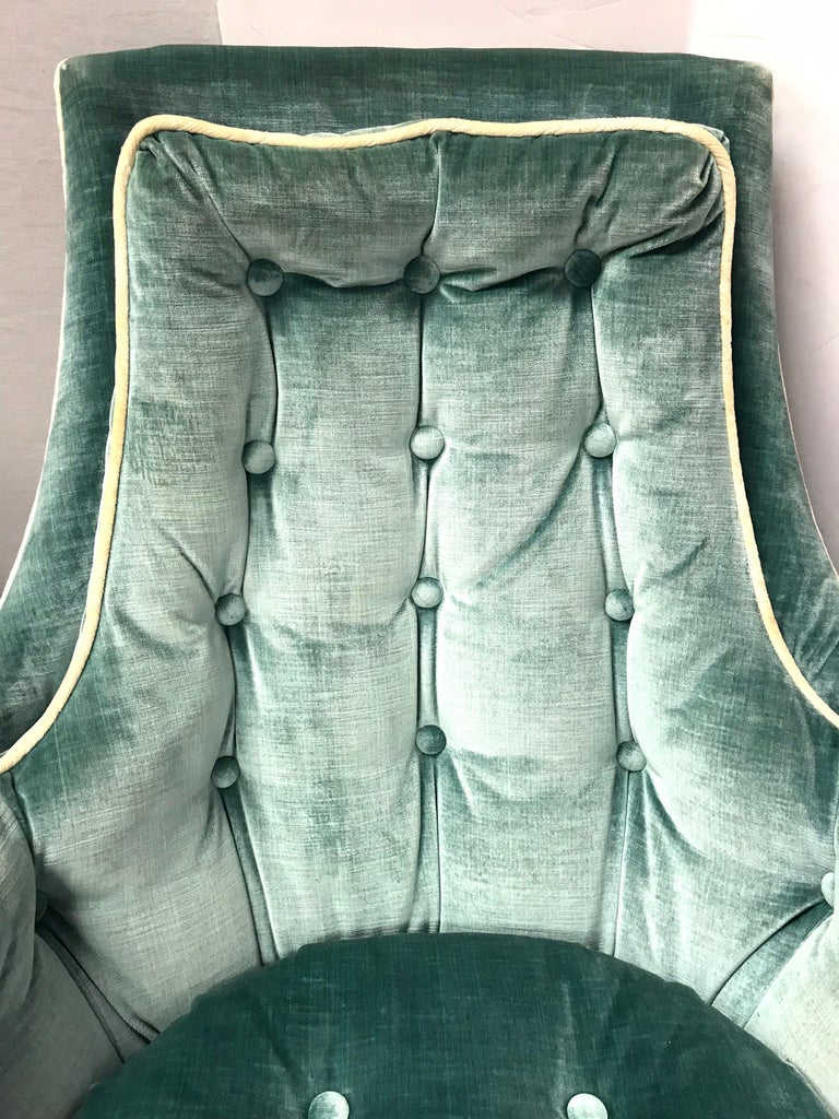 Pair of Vintage Drexel Velvet Tufted Swivel Chairs Rockers In Good Condition For Sale In West Hartford, CT