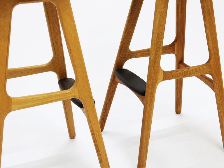 Danish Pair of Vintage Erik Buch Bar Stools Model OD61 in Oak and Rosewood For Sale