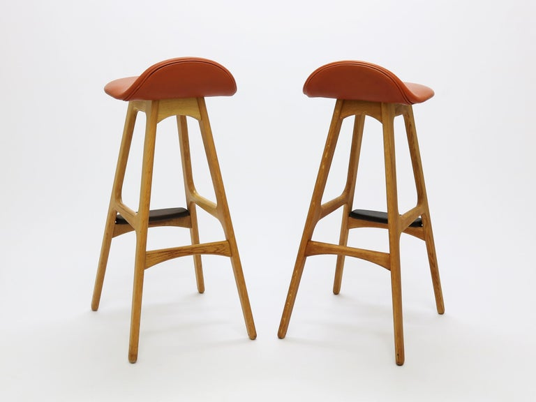 Pair of Vintage Erik Buch Bar Stools Model OD61 in Oak and Rosewood In Excellent Condition For Sale In Odense, DK