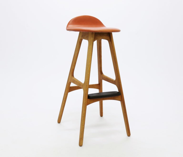 Mid-20th Century Pair of Vintage Erik Buch Bar Stools Model OD61 in Oak and Rosewood For Sale