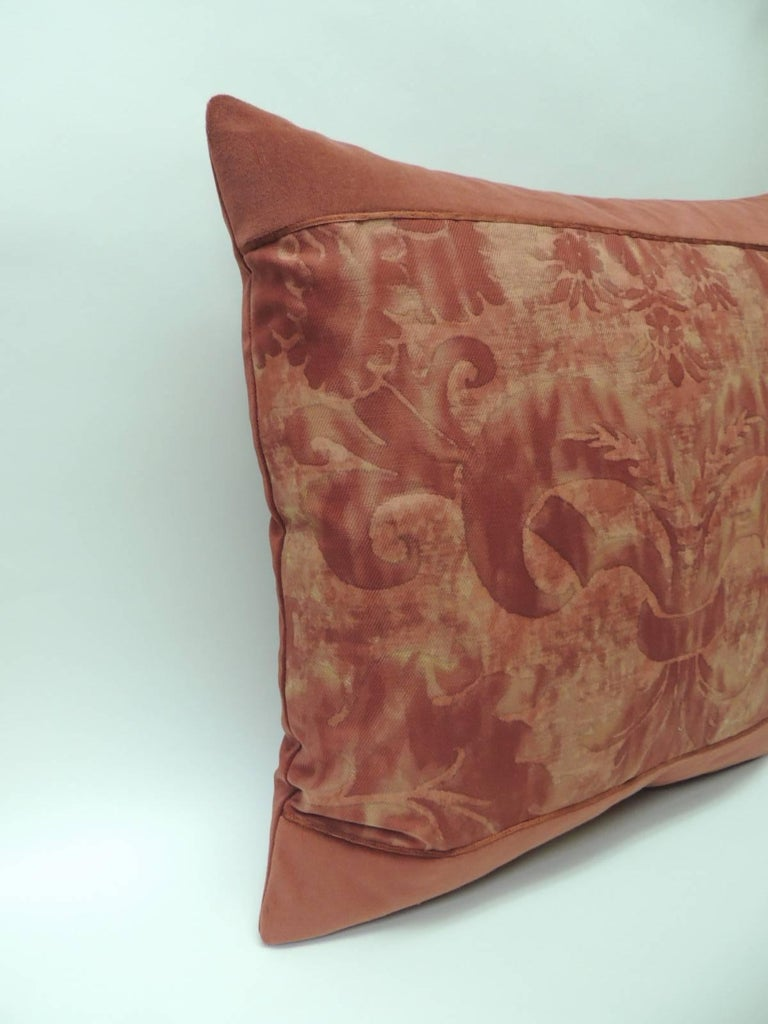 """Regency Pair of Vintage Fortuny """"Glicine"""" Pattern Red and Silvery Decorative Pillows For Sale"""