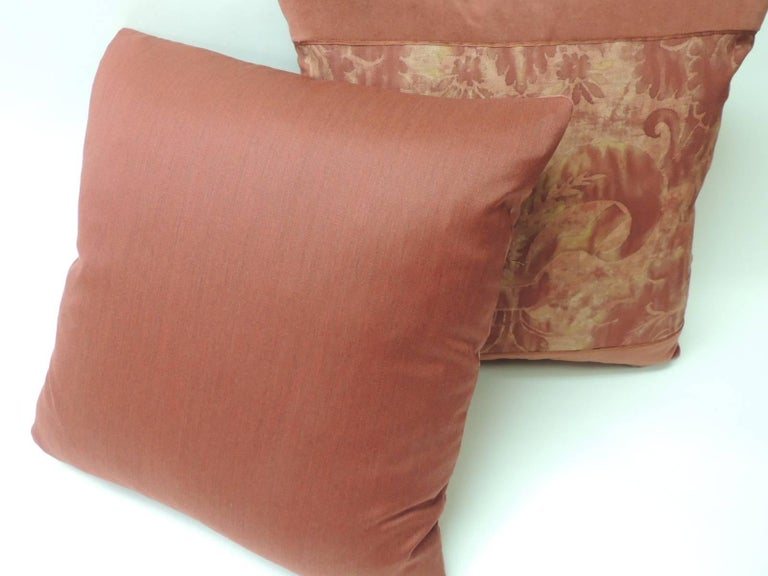 """Hand-Crafted Pair of Vintage Fortuny """"Glicine"""" Pattern Red and Silvery Decorative Pillows For Sale"""