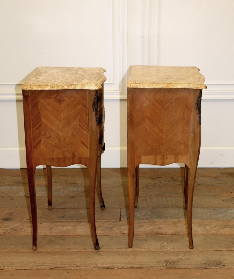 Inlay Pair of Vintage French Louis XV Style Wood Nightstands with Marble Tops For Sale