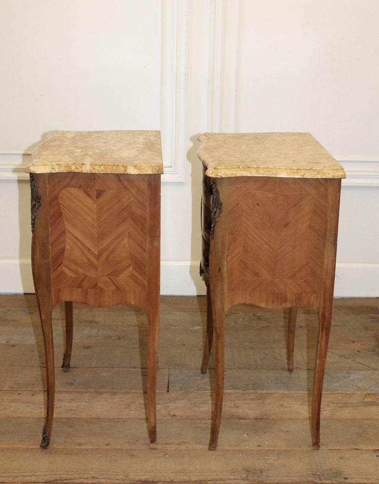 Pair of Vintage French Louis XV Style Wood Nightstands with Marble Tops In Good Condition For Sale In Brea, CA