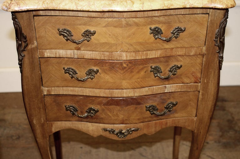 Pair of Vintage French Louis XV Style Wood Nightstands with Marble Tops For Sale 2