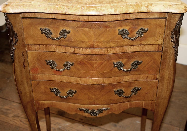 Pair of Vintage French Louis XV Style Wood Nightstands with Marble Tops For Sale 3