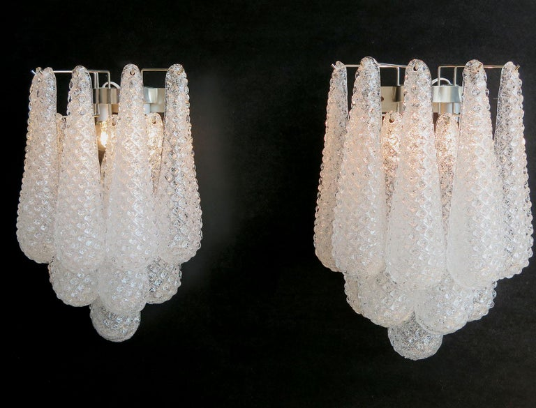Pair of Vintage Glass Petals Drop Wall Sconce by Mazzega In Good Condition In Gaiarine Frazione Francenigo (TV), IT