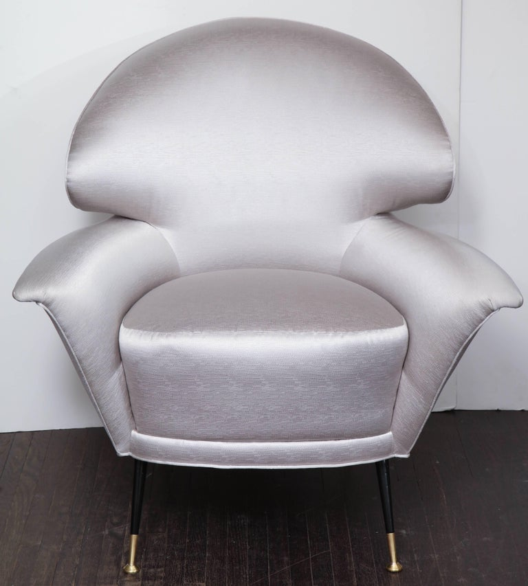 Pair of Vintage Italian Arrow Head Chairs Upholstered in Platinum Satin For Sale 4