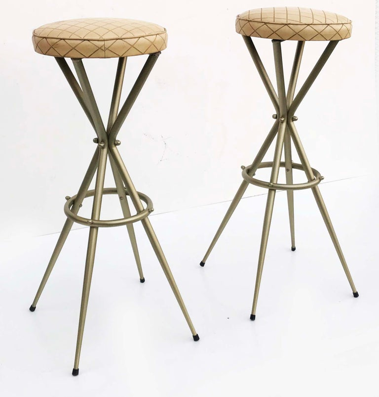 Pair of Vintage Italian Gio Ponti Style Bar Stool In Good Condition For Sale In Miami, FL