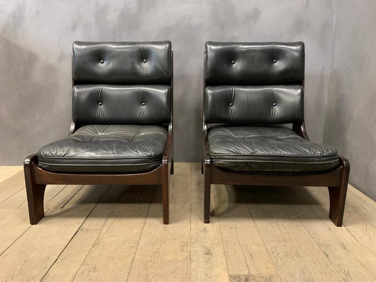 Pair of Vintage Italian Lounge Chairs, 1970s In Good Condition For Sale In Vosselaar, BE