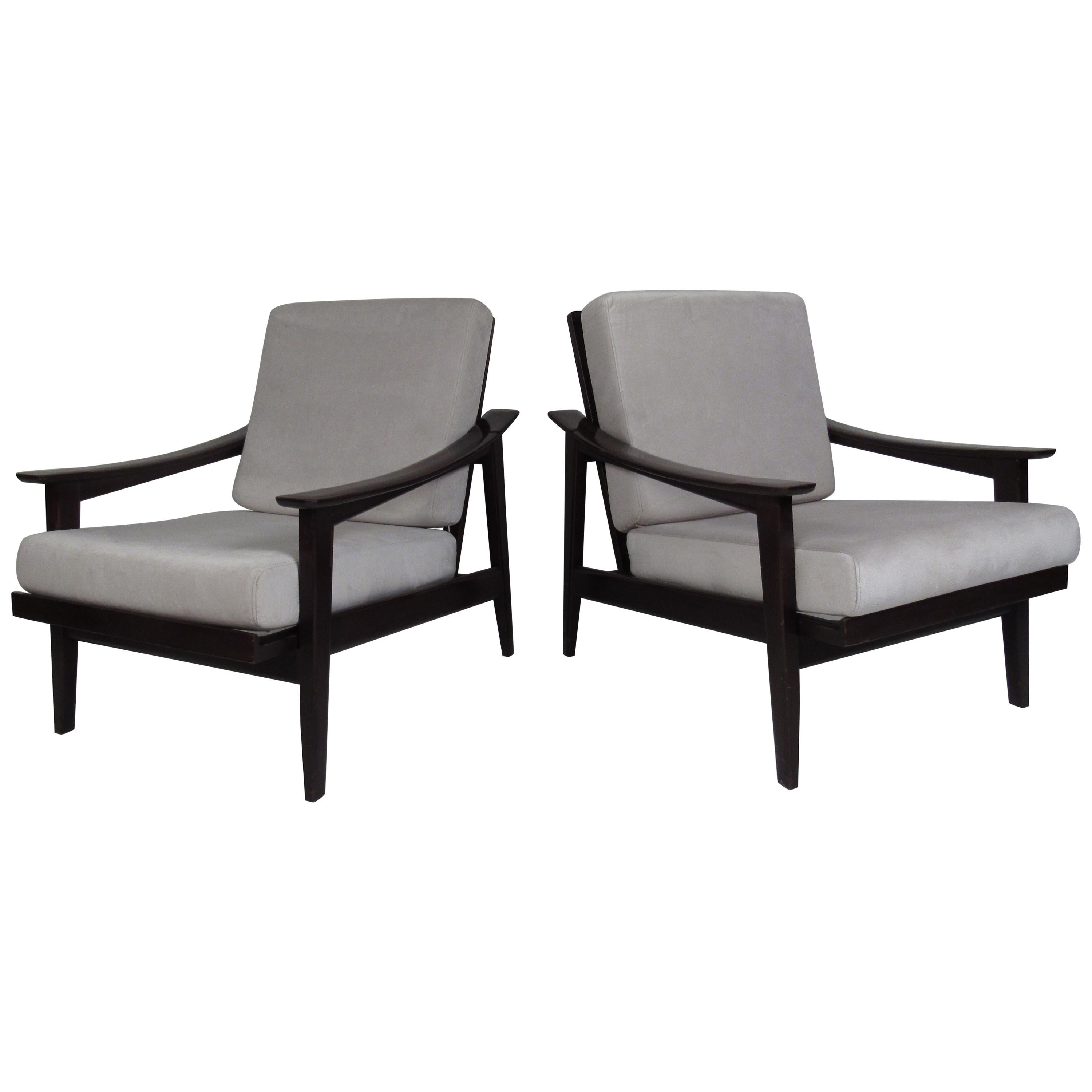 Pair of Vintage Italian Modern Reclining Lounge Chairs