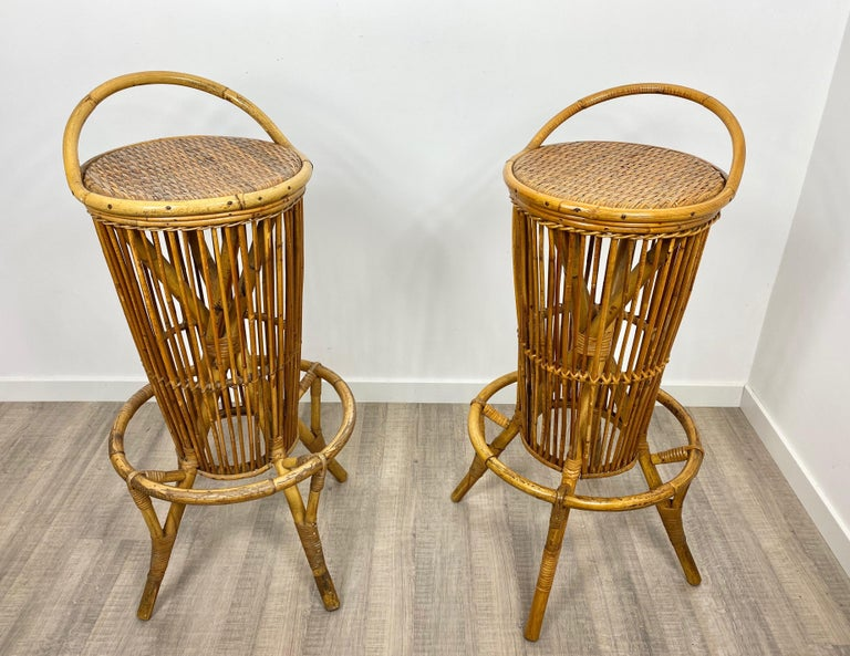 Pair of Vintage Italian Rattan Bar Stools, 1960s In Good Condition For Sale In Rome, IT