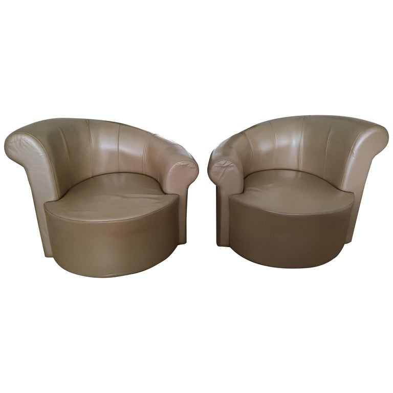 """Pair of Swiveling """"Nautilus"""" Chairs by Vladimir Kagan For Sale"""