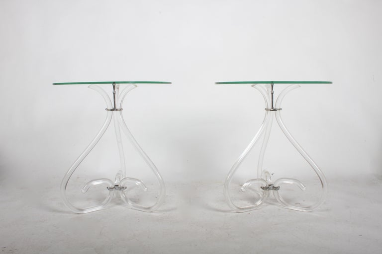 Hollywood Regency Pair of Vintage Lucite and Glass Side Tables in the Style of Dorothy Thorpe For Sale