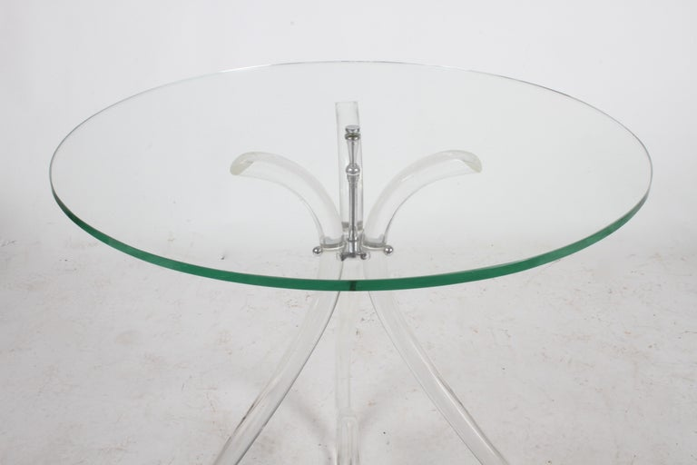 Pair of Vintage Lucite and Glass Side Tables in the Style of Dorothy Thorpe In Good Condition For Sale In St. Louis, MO