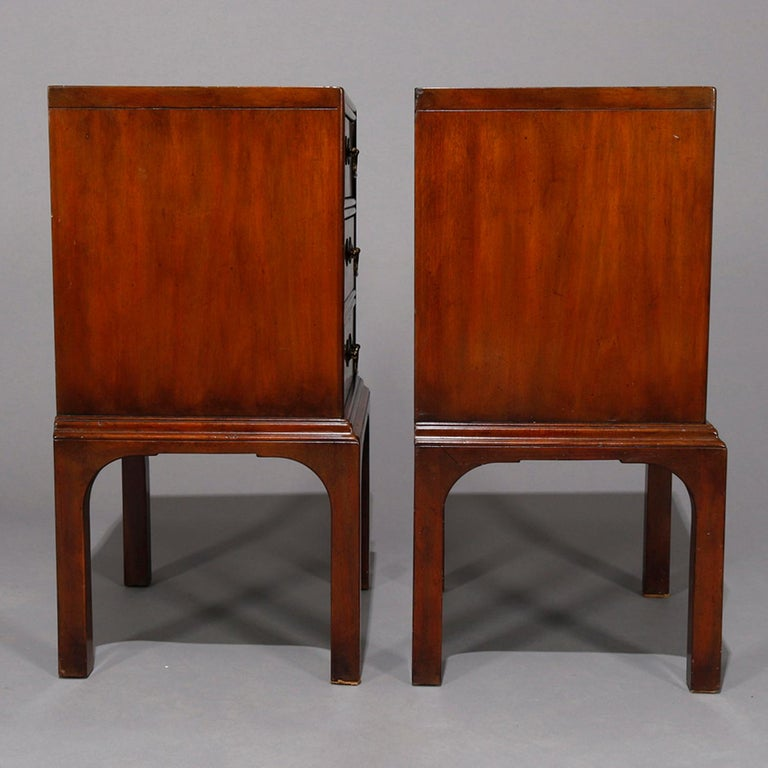 Pair of Vintage Mahogany Kittinger Chinese Chippendale Stands, circa 1950 For Sale 1
