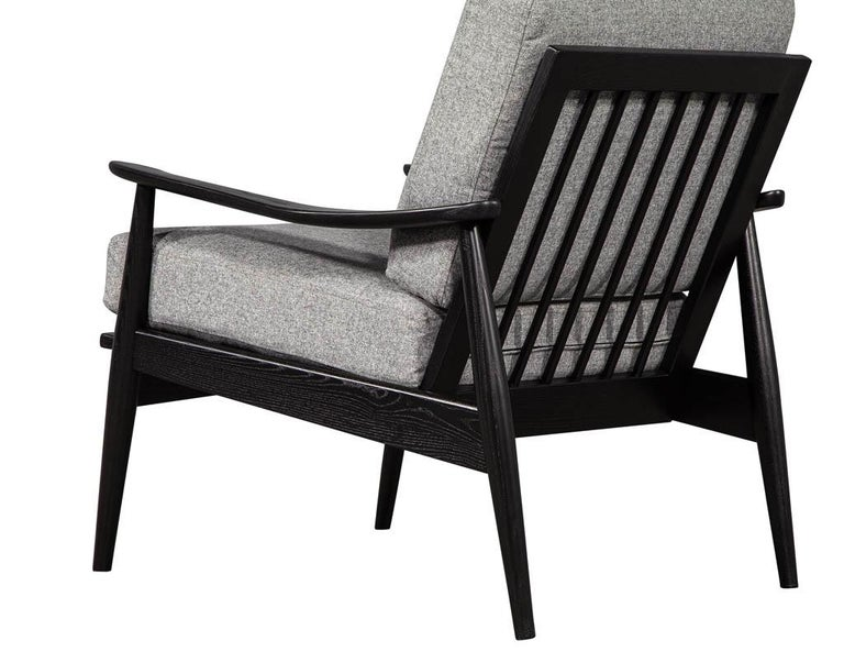 Pair of Vintage Mid-Century Modern Lounge Chairs For Sale 5