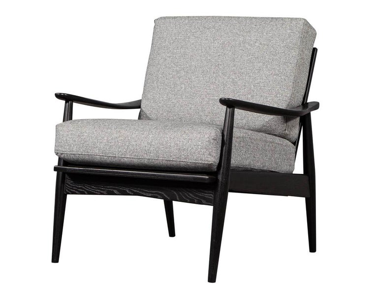 Pair of Vintage Mid-Century Modern Lounge Chairs For Sale 1