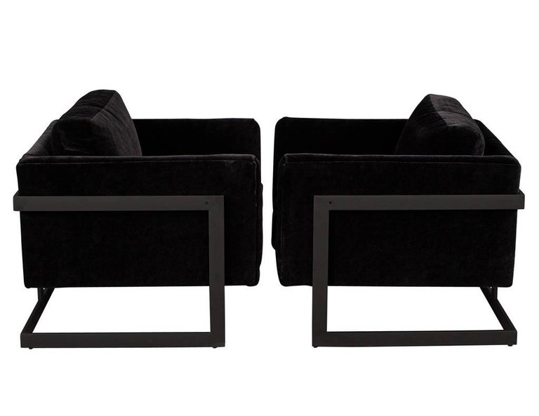 American Pair of Vintage Mid-Century Modern Black Lounge Chairs For Sale