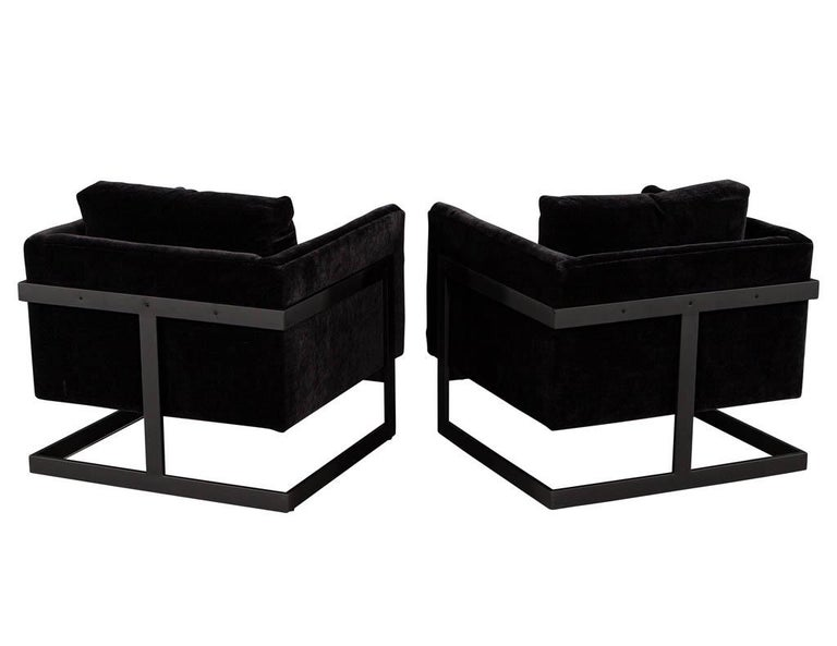 Late 20th Century Pair of Vintage Mid-Century Modern Black Lounge Chairs For Sale