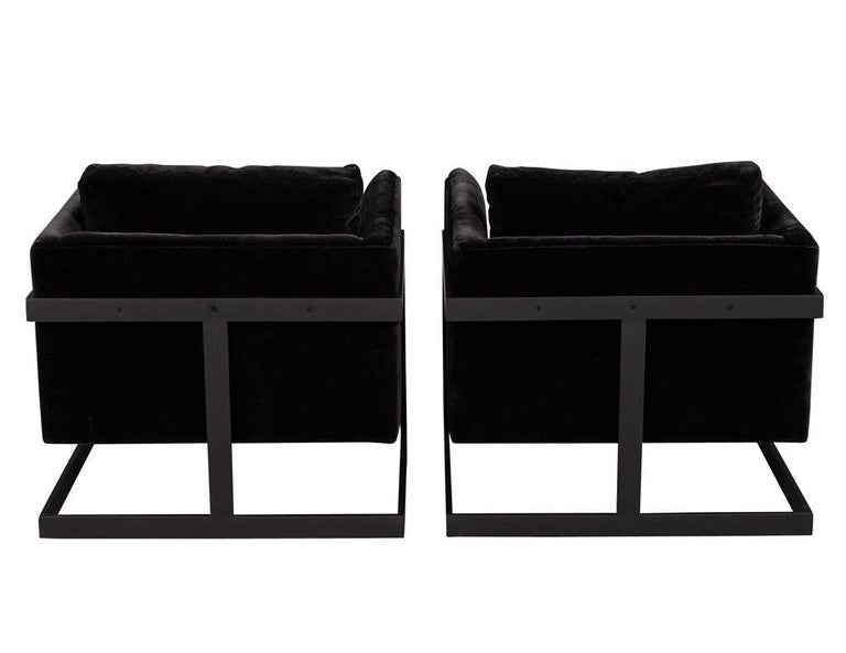 Metal Pair of Vintage Mid-Century Modern Black Lounge Chairs For Sale