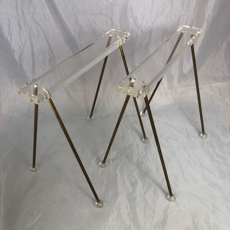 Pair of Vintage Mid-Century Modern Brass and Lucite Stands or Tray Racks For Sale 8