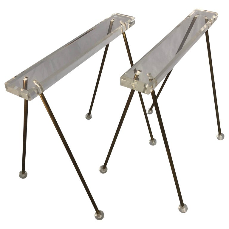 Pair of Vintage Mid-Century Modern Brass and Lucite Stands or Tray Racks For Sale 2