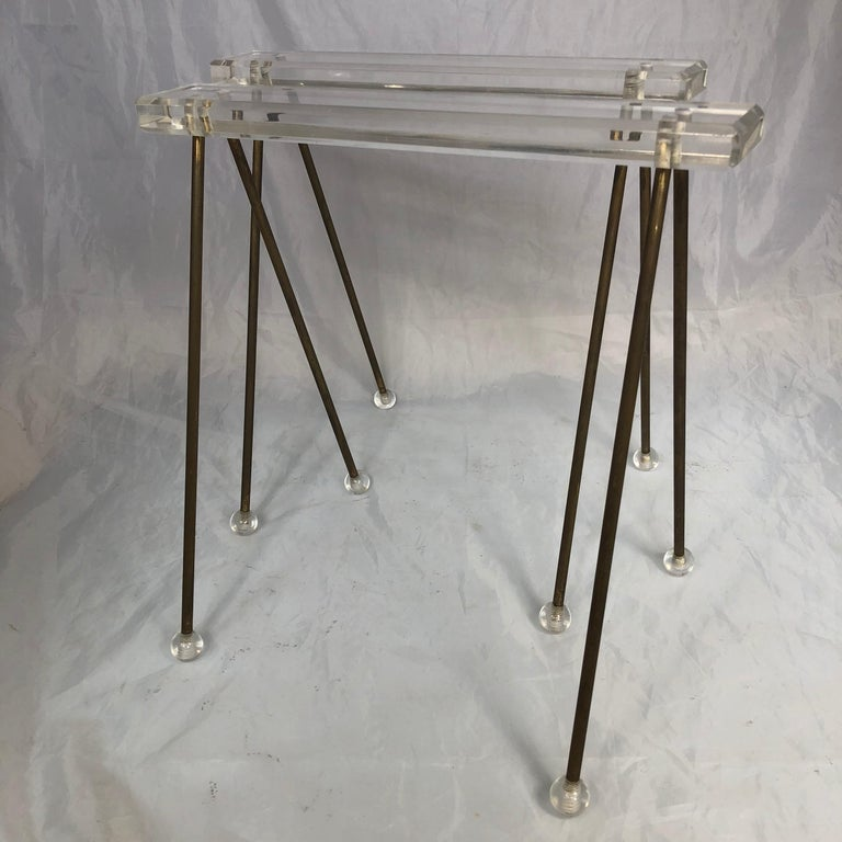 Pair of Vintage Mid-Century Modern Brass and Lucite Stands or Tray Racks For Sale 3