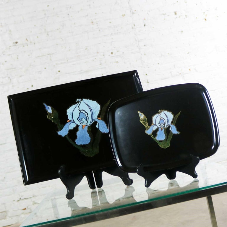 Pair of Vintage Mid-Century Modern Couroc of Monterey Black Trays with Blue Iris In Good Condition For Sale In Topeka, KS