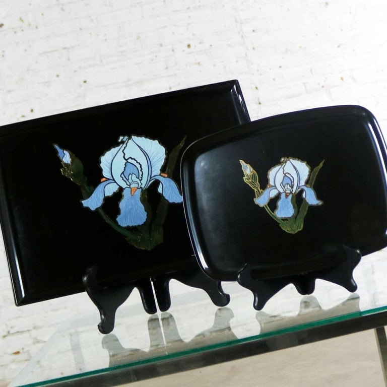 20th Century Pair of Vintage Mid-Century Modern Couroc of Monterey Black Trays with Blue Iris For Sale