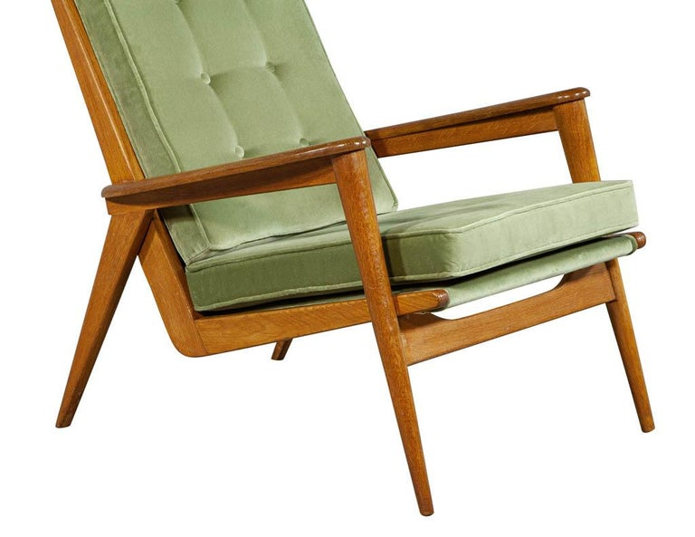Pair of Vintage Mid-Century Modern Parlor Armchairs For Sale 4