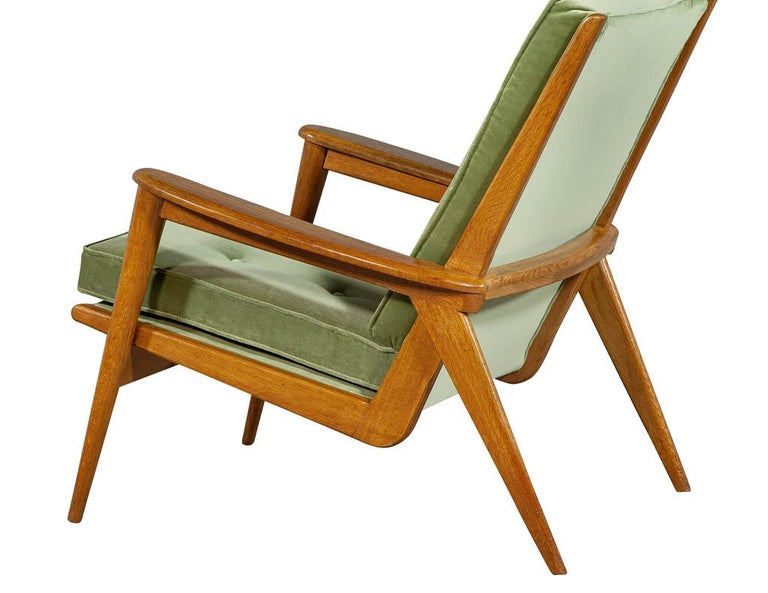 Late 20th Century Pair of Vintage Mid-Century Modern Parlor Armchairs For Sale