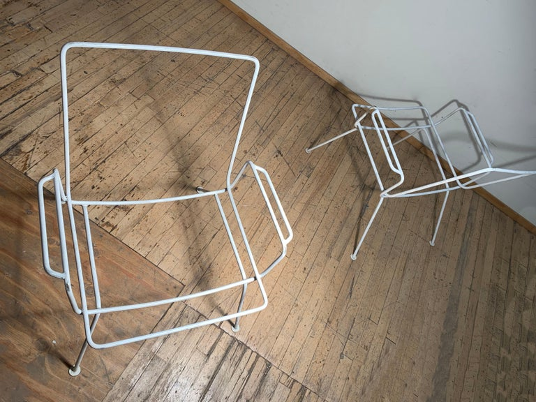 Mid-Century Modern Pair of Vintage Midcentury Wrought Iron Patio Garden Chairs manner of Salterini For Sale
