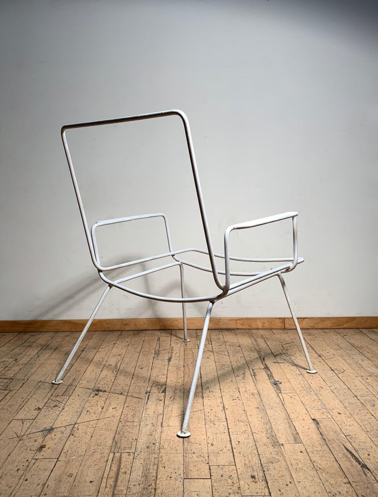 20th Century Pair of Vintage Midcentury Wrought Iron Patio Garden Chairs manner of Salterini For Sale