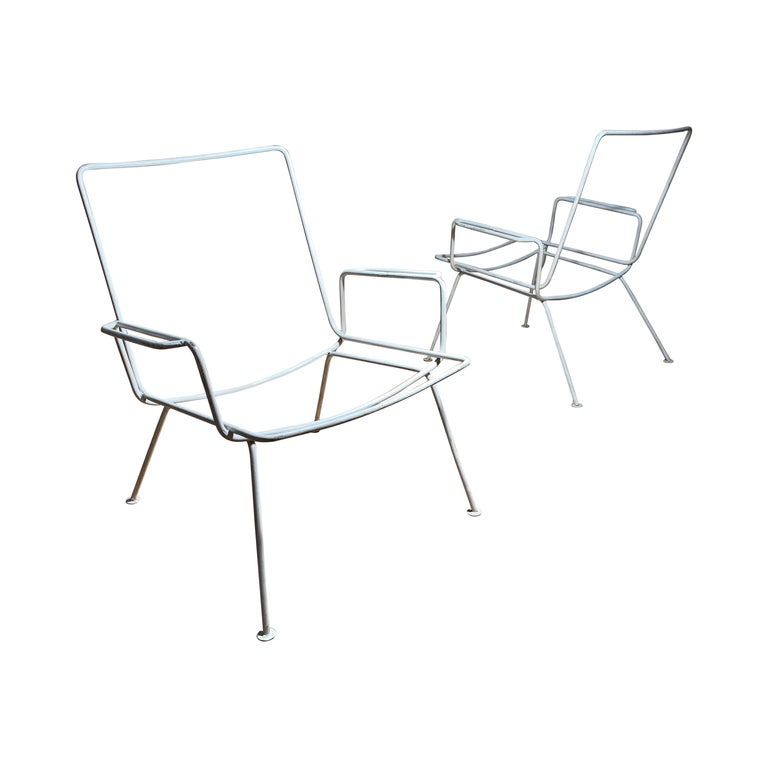 Pair of Vintage Midcentury Wrought Iron Patio Garden Chairs manner of Salterini For Sale