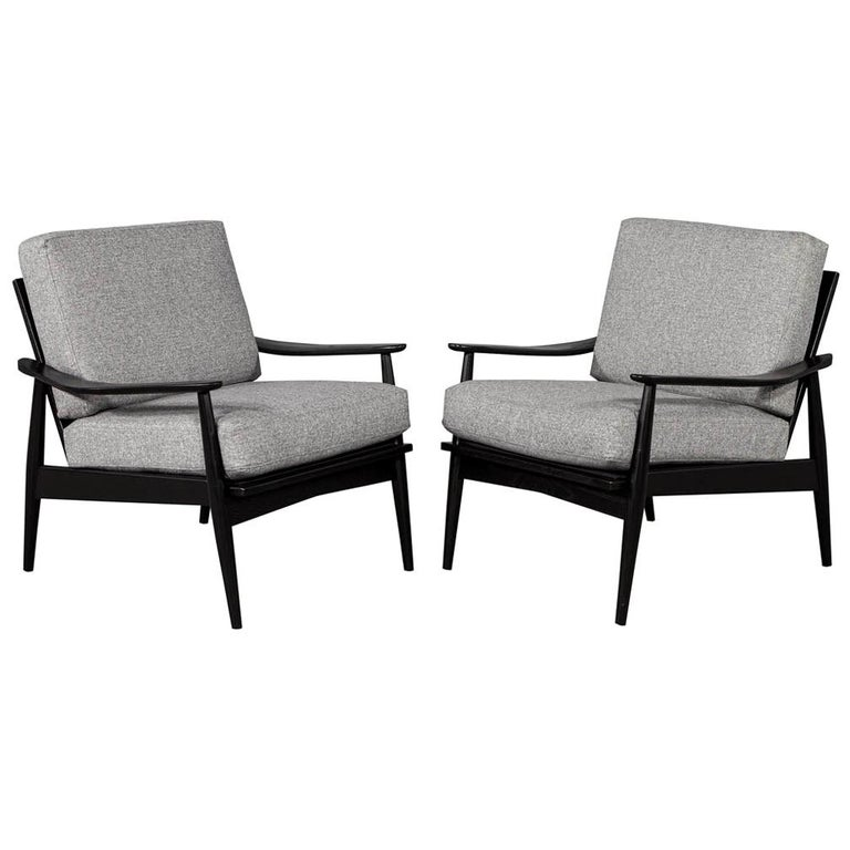Pair of Vintage Mid-Century Modern Lounge Chairs For Sale