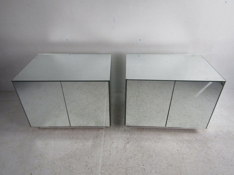 Mid-Century Modern Pair of Vintage Modern Mirrored Cabinets For Sale