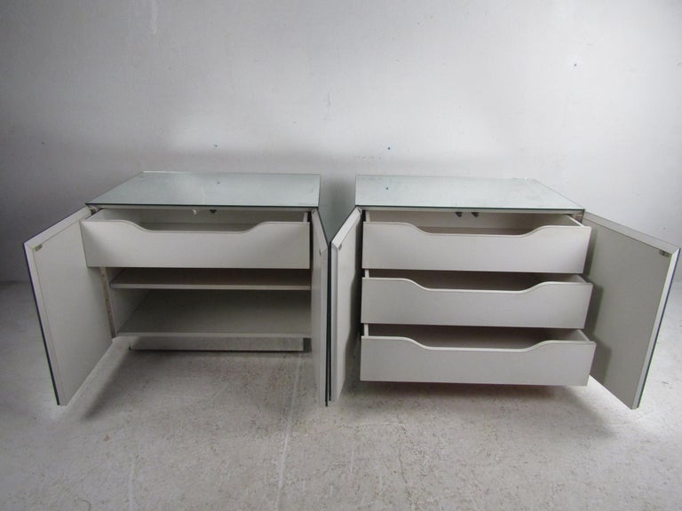 Glass Pair of Vintage Modern Mirrored Cabinets For Sale