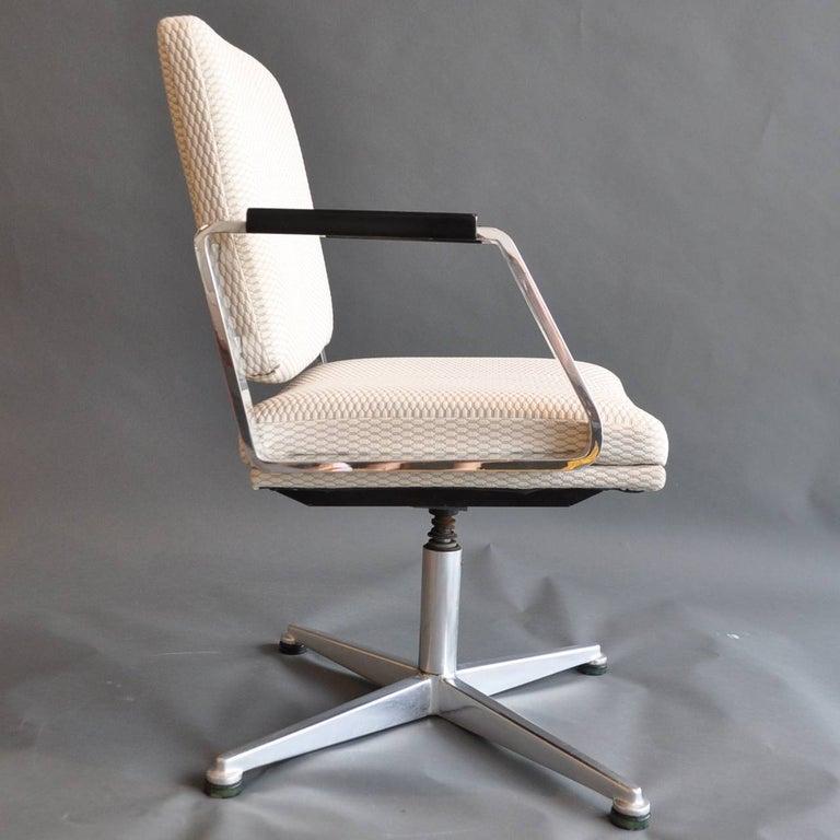 American Pair of Vintage Office Swivel Chairs