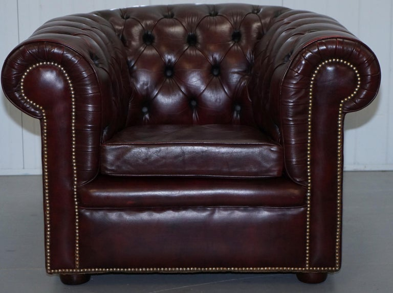 Pair of Vintage Oxblood Leather Hand Made in England Chesterfield Club Armchairs For Sale 7