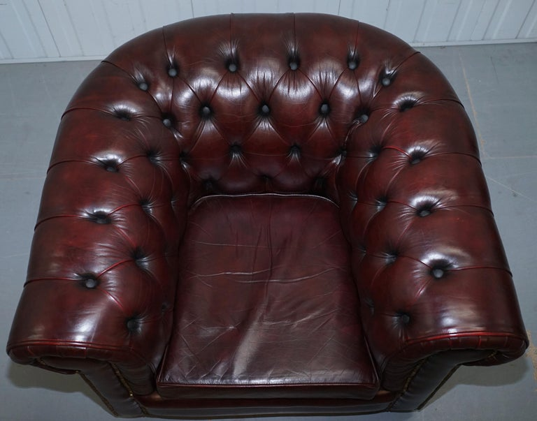 Pair of Vintage Oxblood Leather Hand Made in England Chesterfield Club Armchairs For Sale 8
