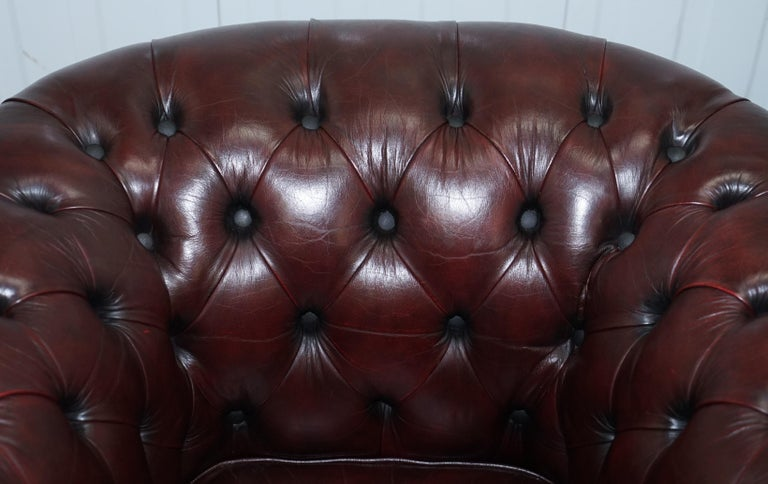 Pair of Vintage Oxblood Leather Hand Made in England Chesterfield Club Armchairs For Sale 9