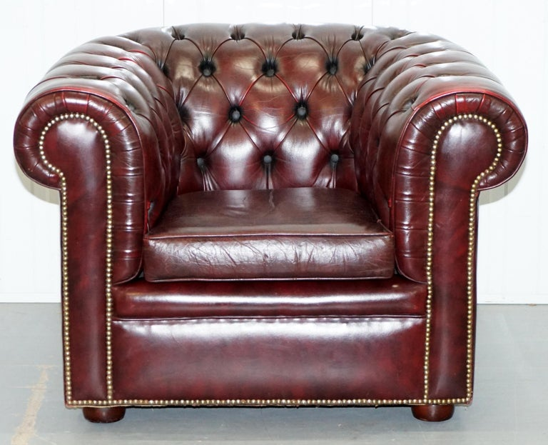 Victorian Pair of Vintage Oxblood Leather Hand Made in England Chesterfield Club Armchairs For Sale
