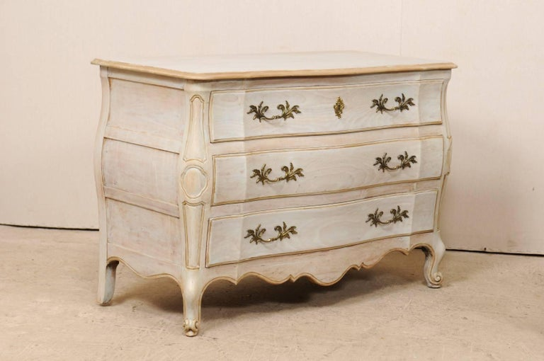 American Pair of Mid-20th C. Painted Wood Bombé Style Chest of Drawers w/Scalloped Skirts For Sale