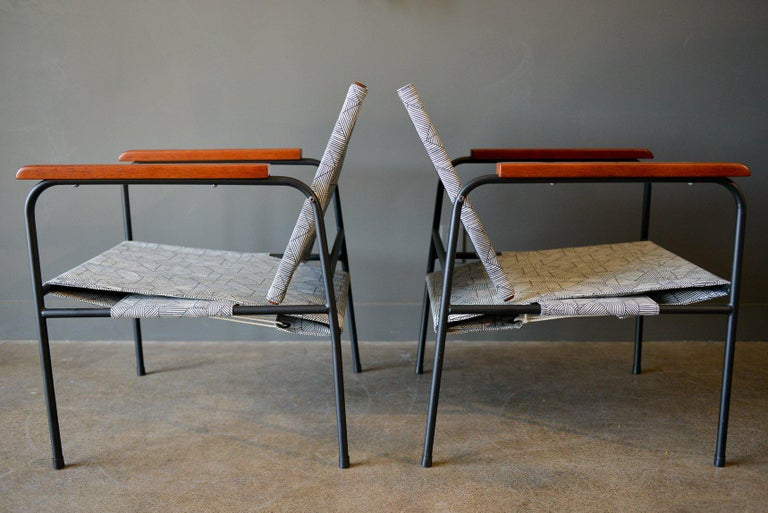 Mid-Century Modern Pair of Vintage Patio Chairs, circa 1970 For Sale